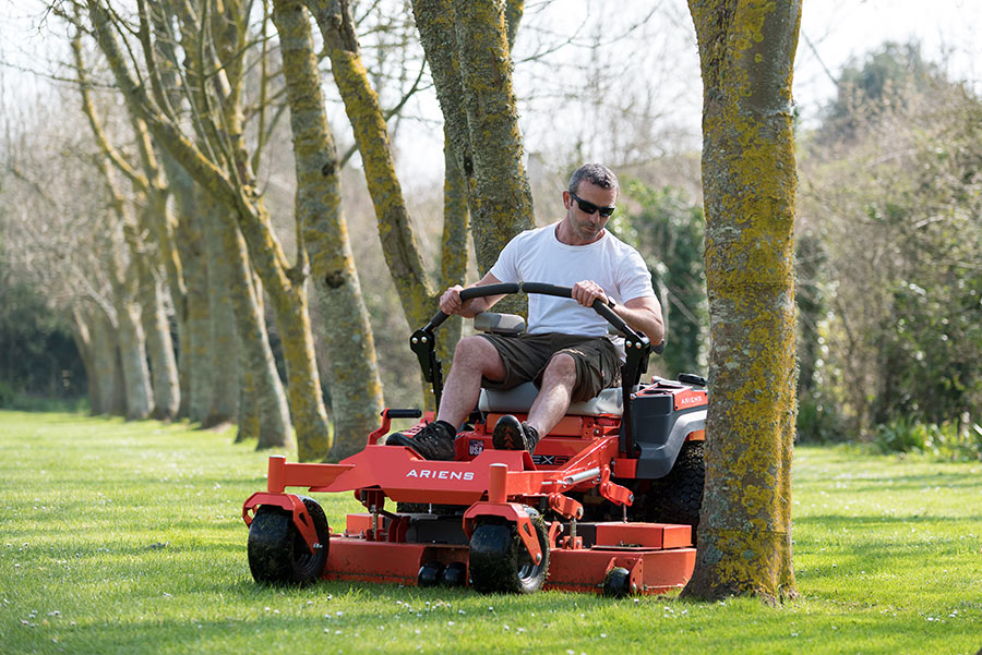 Why a Zero Turn Lawn Mower is the Right Choice – User Voice: Paul Smith